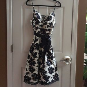 NWT Oleg Cassini Floral Dress w Lace Detail sz 10